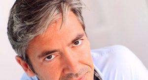دلایل اصلی سفید شدن زود هنگام مو چیست